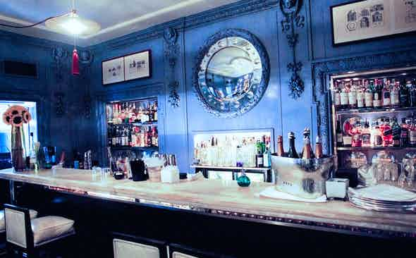 Le Grand Blue: The Blue Bar in the Berkeley Hotel