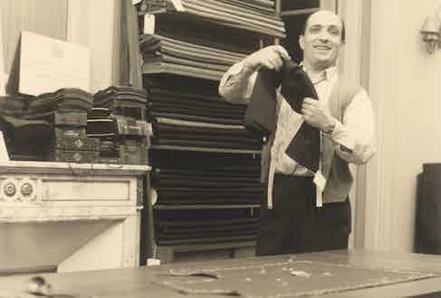 Mario De Luca, in his atelier in 1954.