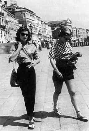 Jackie and Lee in Venice (1951)
