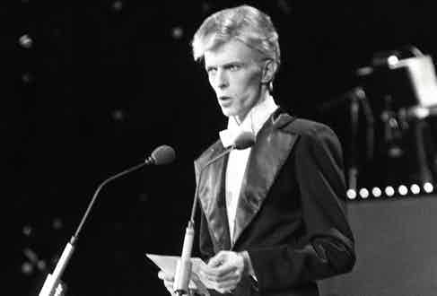The Thin White Duke in all his new-romantic finery, on stage at the Grammy's in 1975.
