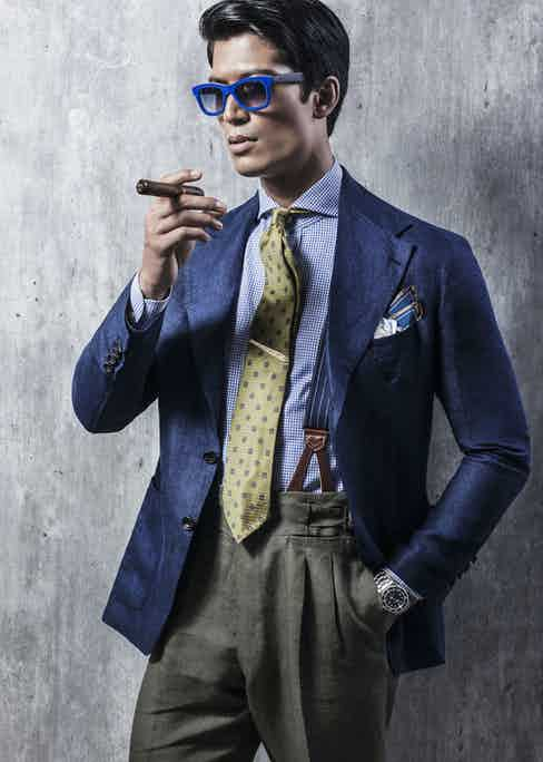 The blazer is cut in the finest Italian linen hopsack, woven with glorious sheen in a subtle navy melange.