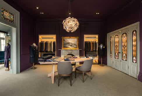 Another bespoke fitting room at Leatherfoot.