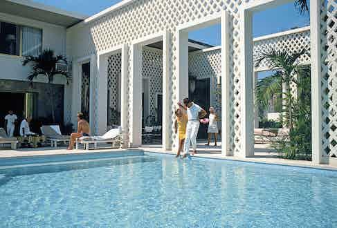 Arturo Pani residence, Acapulco, Mexico, January 1971 (Photograph by Slim Aarons)