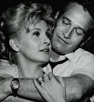 Paul Newman shares a moment with his wife Joanne Woodward (Image Source: http://blissbombed.com/)