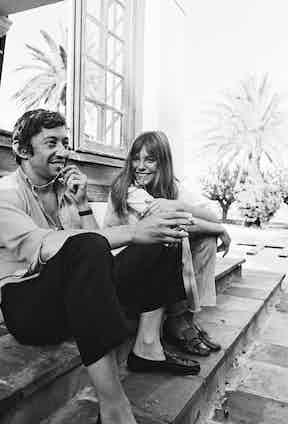 Birkin and Gainsbourg on the set of La Piscine