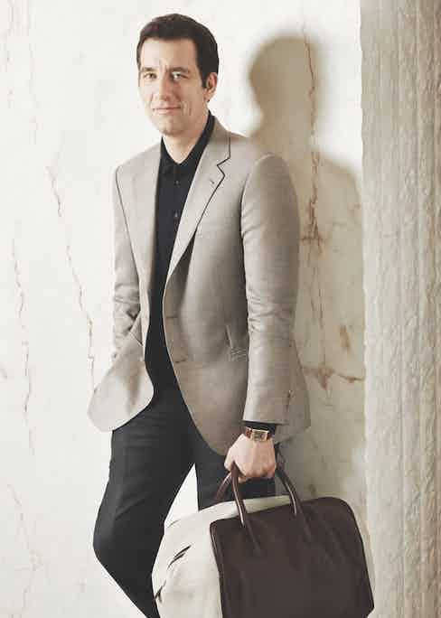 Clive Owen with the Jaeger-LeCoultre Reverso Chocolate. Photograph by Lorenzo Agius.