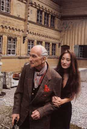 Balthus with his daughter Harumi at Rossinière, 2000. Photography by Bruno Barney.