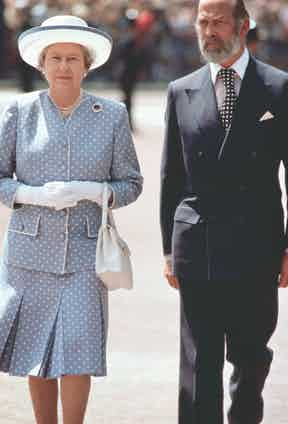 Queen Elizaeth II walking With Prince Michael Of Kent to open the Queen Elizabeth Gate At Hyde Park, 2006. Photo by Tim Graham/Getty Images.