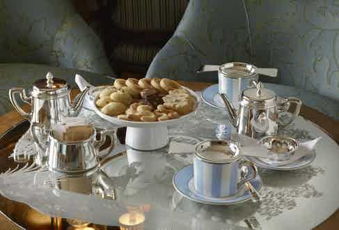 Afternoon tea served in the Longhi Bar.