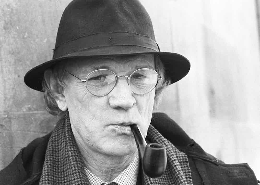 Irish actor Richard Harris on set of the television drama 'Maigret' on February 15, 1988. Photo by Larry Ellis/Express/Getty Images.