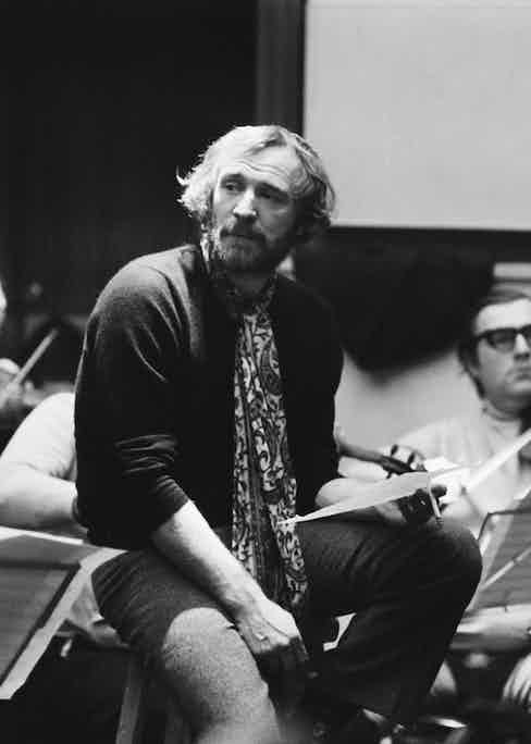 Irish actor and singer Richard Harris recording an LP, 1971. Photo by Jack Kay/Daily Express/Getty Images.