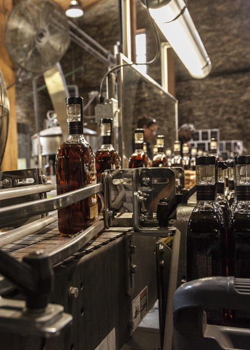Bottling process at the Woodford Reserve distillery. (Images courtesy of Woodford Reserve)
