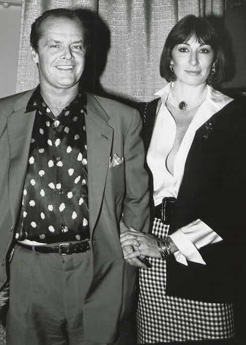 Actor Jack Nicholson with his partner, actress Anjelica Huston, USA 1985. (Photo by The LIFE Picture Collection/Getty Images)