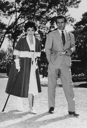 Prince Dado Ruspoli with British actress Mara Lane, 13th May 1955. Lane's leg injury was sustained during a skiing holiday with the Prince in the Italian Alps. Photo by Keystone/Hulton Archive/Getty Images.