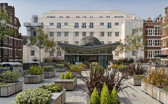 Art Decorum: The Beaumont Hotel