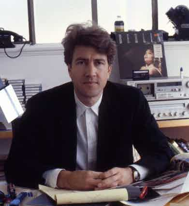 Director David Lynch poses for a portrait session in his office in Los Angeles, California in October 1984. Photo by Ann Summa/Getty Images.