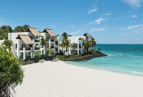 The junior suites next to the ocean