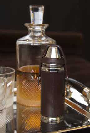 Ettinger's Hunter flask, which comes with four cups.