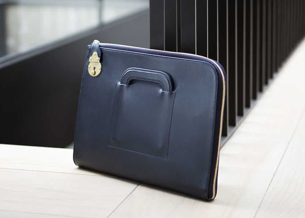 Ettinger's Portfolio case has compartments for A4 papers, smartphones, wallets and credit cards.