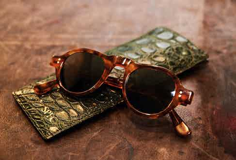 E.B. Meyrowitz is the star on the eyewear Christmas tree. This pair of Starsky model frames with polarised lenses are kept in this monogrammed crocodile case from Alfred Dunhill.