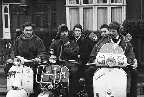 Teenage mods in parkas, on their Vespa scooters, London 1964. Photo by Peter Francis/PYMCA/REX/Shutterstock.