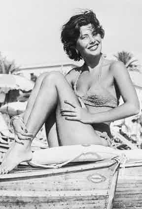 A 20-year-old Nina Dyer vacationing on the French Riviera in 1950. Photo by Getty Images.