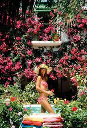 Valerie Cates in Marbella, Spain, 1976. Photo by Slim Aarons/Hulton Archive/Getty Images.