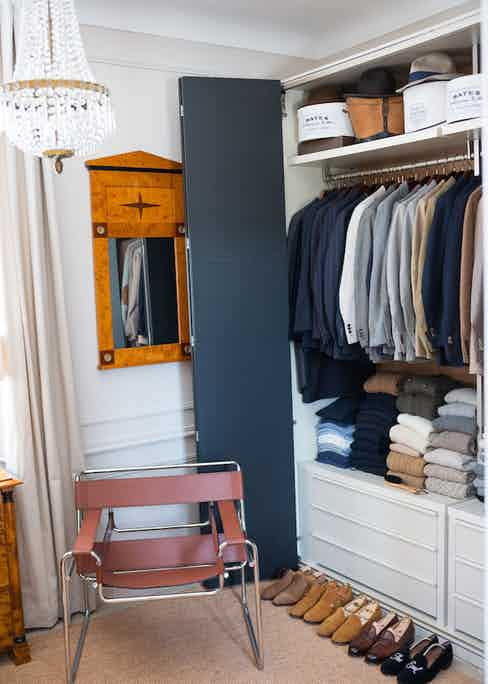 Once you arrive at your destination it would be wise to unpack as soon as possible, as this will allow creases to fall naturally out of your clothes.