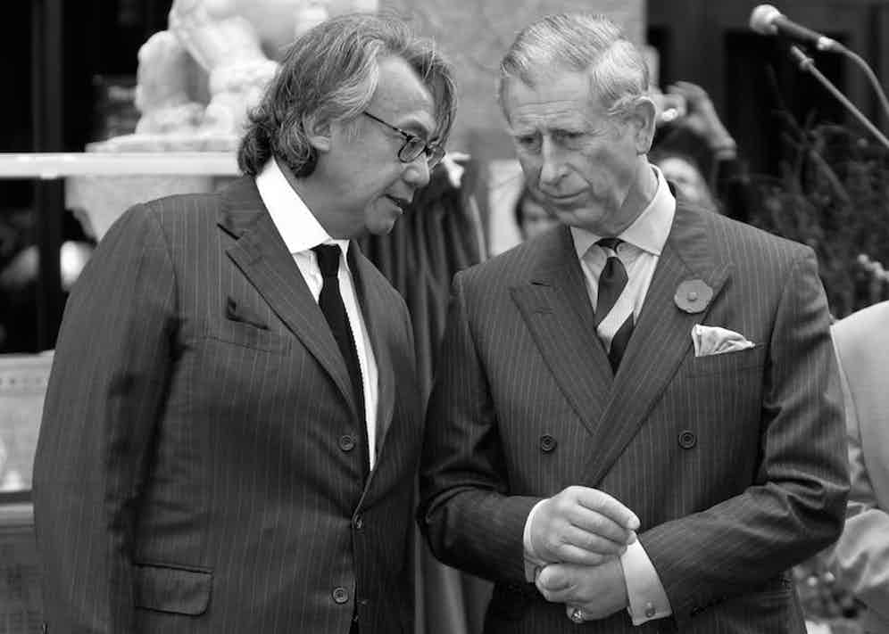 Sir David Tang speaks to Prince Charles during a royal visit to Chinatown in London, 2007. Photo by REX/Shutterstock.