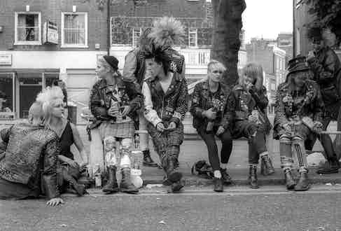 Punks hanging out on the Kings Road, London 1983. Photo by Ted Polhemus/PYMCA/REX/Shutterstock.