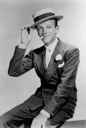 King of the DB, Fred Astaire wears a low-buttoning jacket with heavily padded shoulders, giving the appearance of a more muscular physique.
