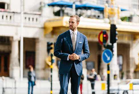 """Prioritising fit and style over exclusive fabrics or handmade production, Andreas is refreshingly unpretentious when it comes to the basics. """"This shirt is from Shirtonomy, which focuses on MTM shirts at a very reasonable price. I particularly like the shape of their high spread collar."""""""