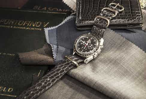 An example of a Huitcinq 1988 watch strap that can be won in the charity auction.