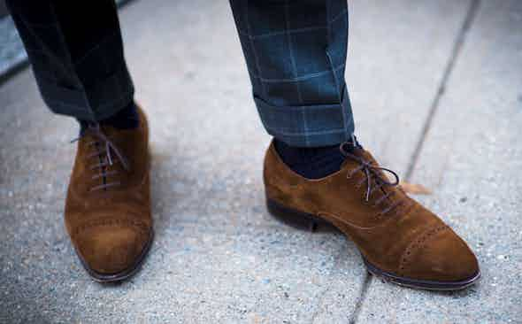 Rakish Transitions: How to Pair Shoes and Socks