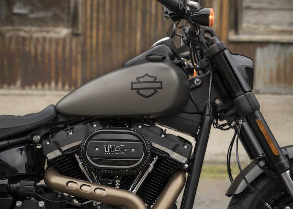 The 2018 Fat Bob is available with either the Milwaukee-Eight 107 or 114 Big Twin engines.