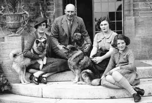 Lord and Lady Digby with their two daughters Pamela and Jaquetta at their home in Minterne, Dorset, 1937. Photograph by Central Press/Getty Images.