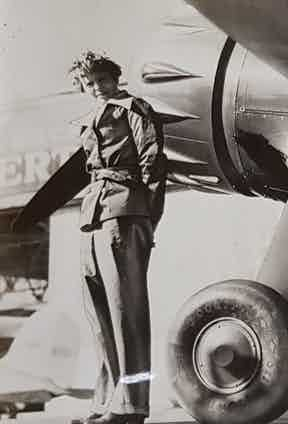 Amelia Earhart, who was the first woman to fly solo across the Atlantic, wears her flying suit made from Grenfell Cloth. She sadly disappeared in 1937 whilst flying across the Pacific.