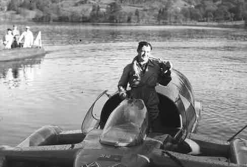 Donald Campbell, the son of Sir Malcolm Campbell, broke several records on both land and water wearing Grenfell Cloth driving suits.