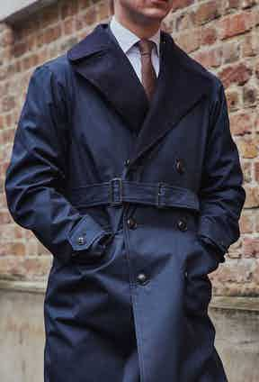 Despite traditionally being a motorbike style, the Mayfair is distinctly sartorial due to its double-breasted buttoning system and double-buckle belt.