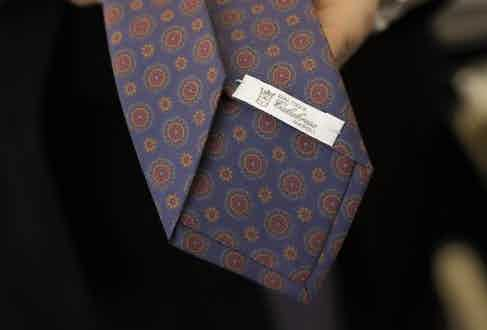 This Calabrese tie has a seven-fold construction and is self-tipped. Photograph by Stéphane Butticé.