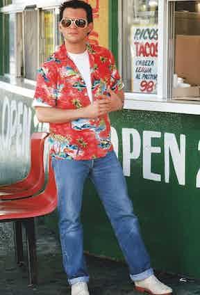 Christian Slater demonstrating the Hawaiian shirt's versatility in True Romance, 1993. Photograph by Warner Br/Everett/REX/Shutterstock.