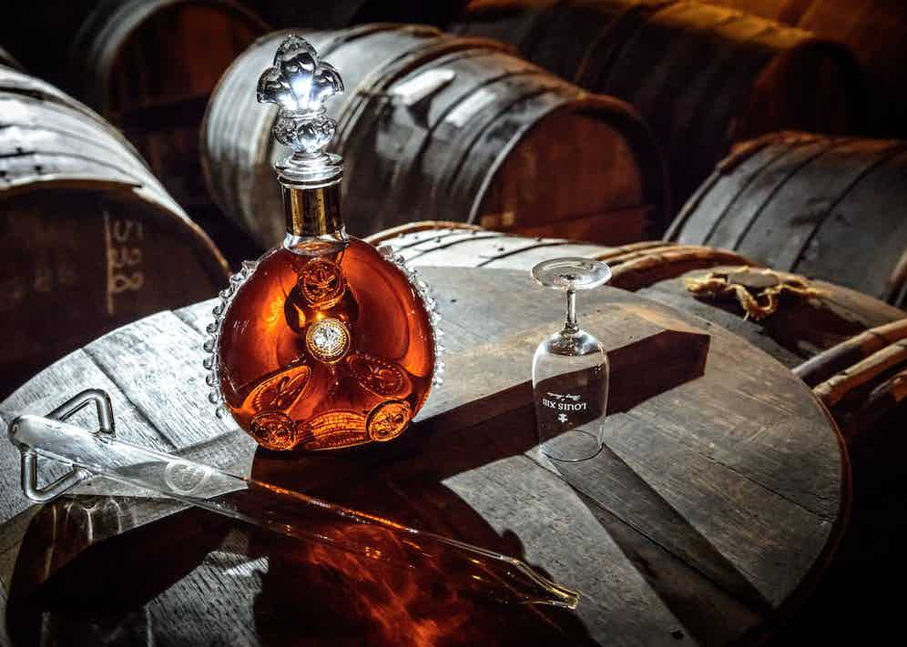 All samples meet during the finishing period in a tierçon — a century-old Limousin oak barrel — where it can finally be called Louis XIII.