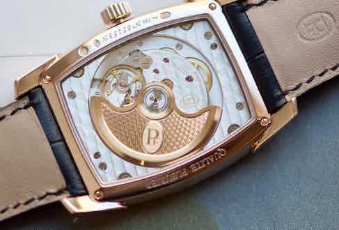 The Kalpa Qualité Fleurier includes 29 jewels.