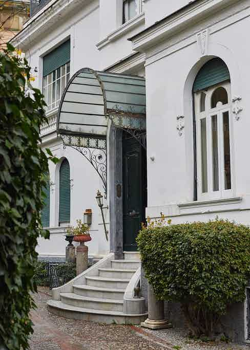 Casa Rubinacci's front door.
