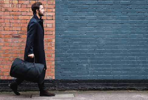 Lightweight, chic and superbly functional, the suit carrier holdall is a must-have for today's business traveller.