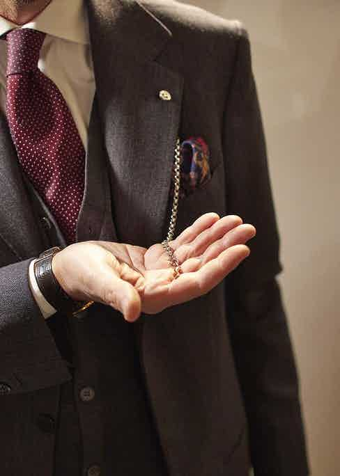 Barbarulo is one of the world's leading manufacturers of lapel chains.