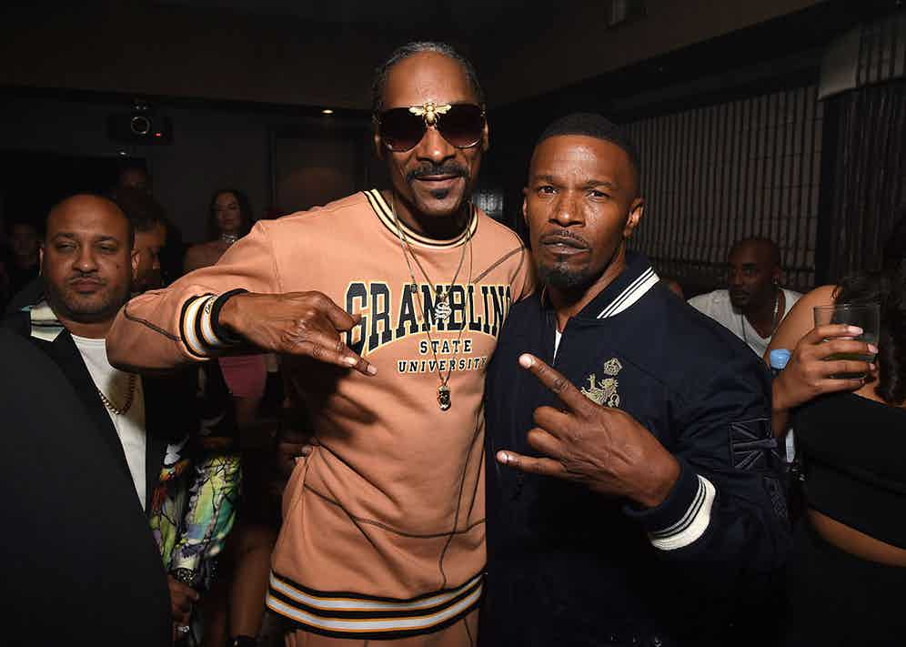 Foxx pictured with the one and only hip hop legend Snoop Dogg.