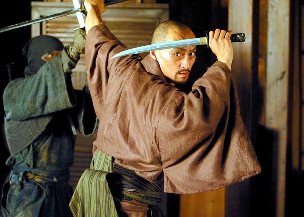 Complex choreography combined with fierce swordplay propelled Watanabe into the consciousness of western film-goers after his role in The Last Samurai starring Tom Cruise. (Everett Collection Inc / Alamy Stock Photo)