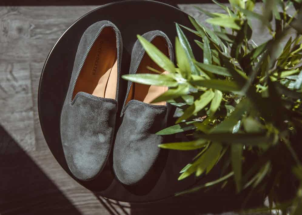 Duke & Dexter signature loafers in 'Wolf Suede'.