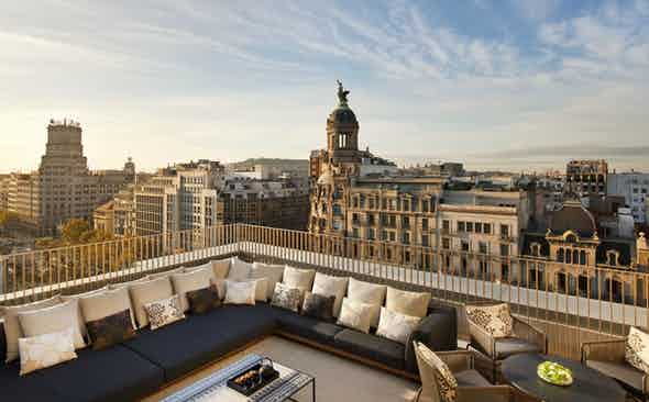 What to Do and Wear in Barcelona, Spain